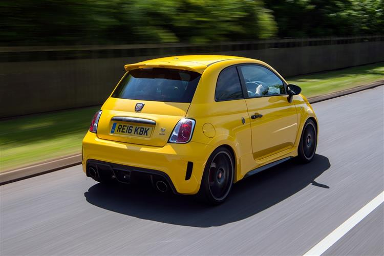Abarth 595 1.4 T-Jet 165 Pista 70th Anniversary SPECIAL EDITION image 3
