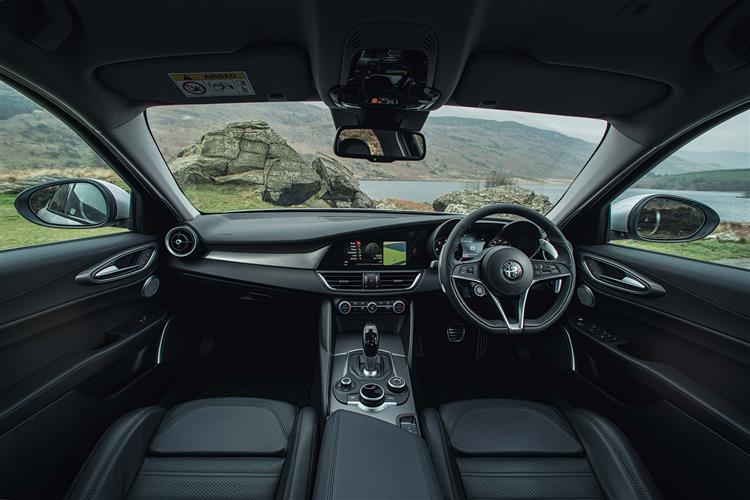 Alfa Romeo Giulia 2.2 Turbo Diesel 180 Tecnica 4dr Auto image 11