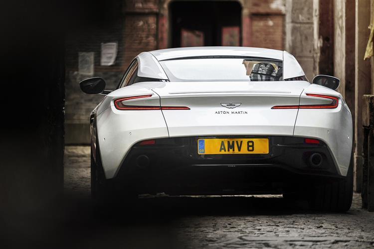 Aston Martin DB11 V8 Touchtronic image 4