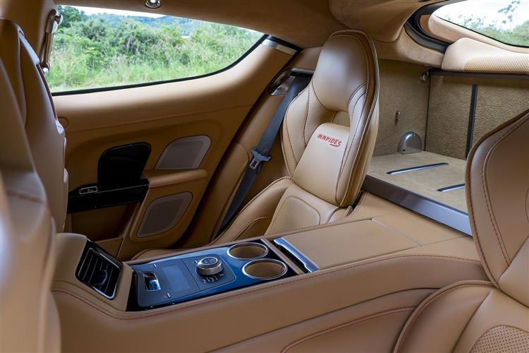 Aston Martin RAPIDE S V12 Touchtronic image 10