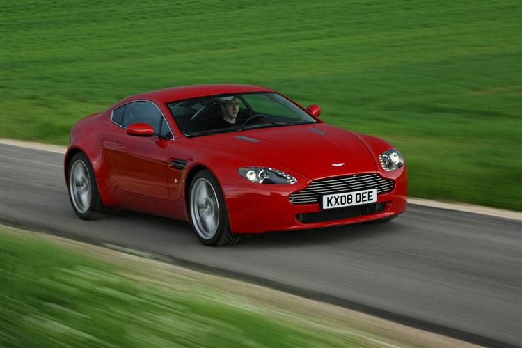 Aston Martin V8 Vantage S Coupe Manual image 3