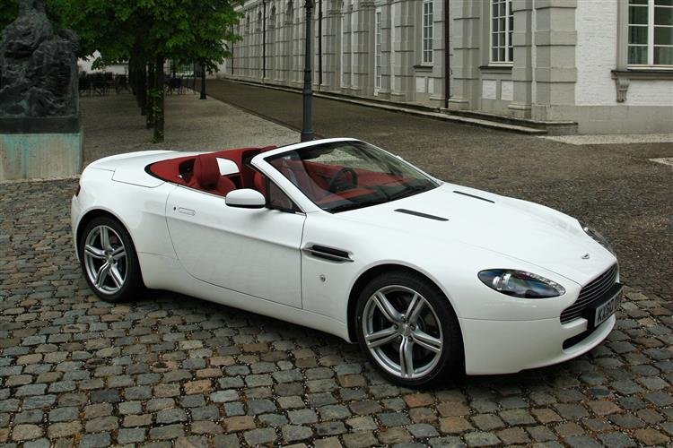 Aston Martin V12 Vantage S Roadster  image 3