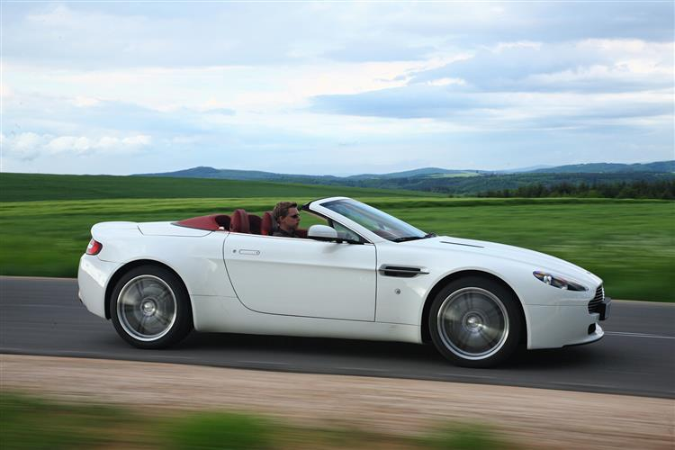 Aston Martin V12 Vantage S Roadster  image 5