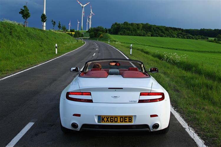 Aston Martin V12 Vantage S Roadster  image 6