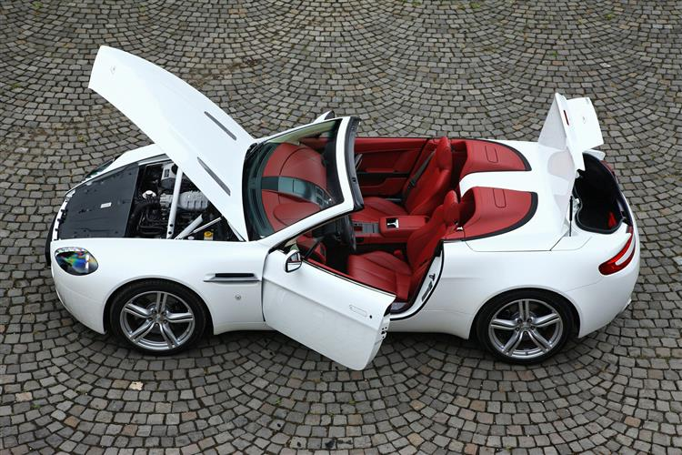 Aston Martin V12 Vantage S Roadster  image 10