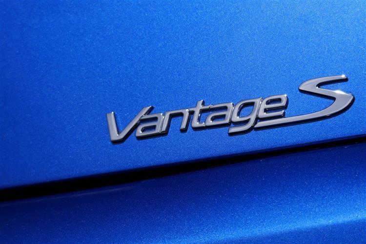 Aston Martin V12 Vantage S Coupe  image 2