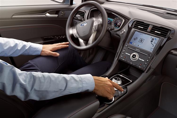 Ford Mondeo Hybrid 2.0 Hybrid Titanium Edition 4dr image 7
