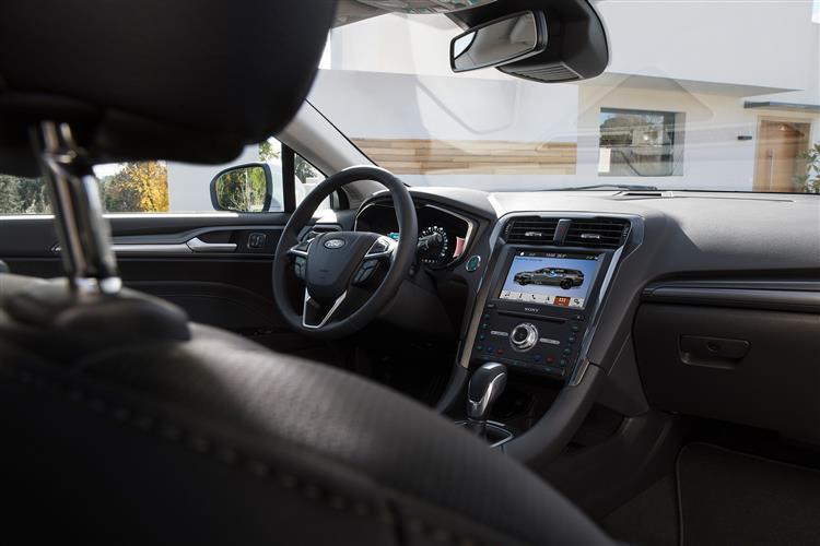Ford Mondeo Hybrid 2.0 Hybrid Titanium Edition 4dr image 8