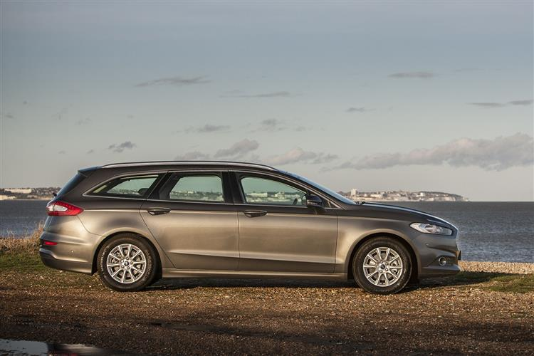 Ford Mondeo Estate Titanium Edition HYBRID Electric Vehicle 2.0 TiVCT HYBRID Electric V (19MY) at Ford Croydon thumbnail image