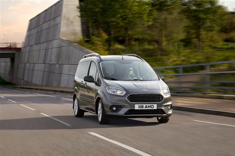 Ford New Tourneo Courier 1.0 EcoBoost Zetec 5dr image 3