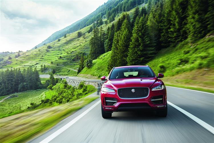 Jaguar F-PACE R-Sport 2.0d 163PS RWD Manual image 3
