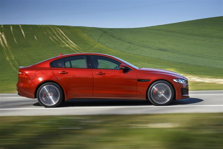 Jaguar XE 2.0d R-Dynamic SE Diesel Automatic 4 door Saloon (20MY) at Jaguar Hatfield thumbnail image
