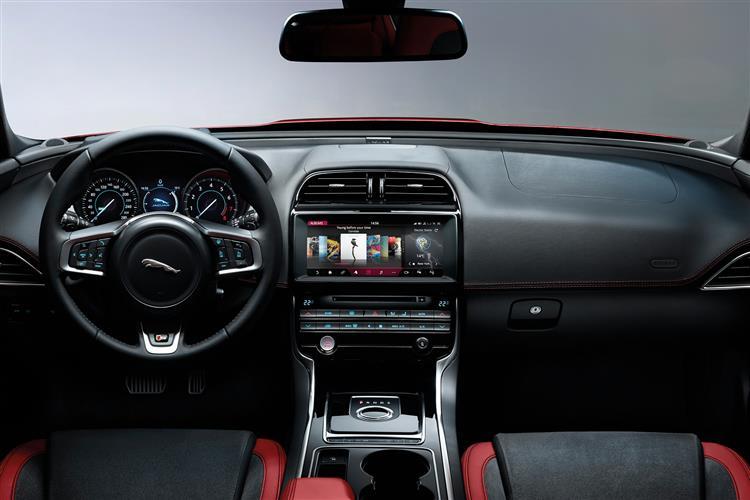 Jaguar XE Saloon 2.0d 163PS Prestige Manual image 9