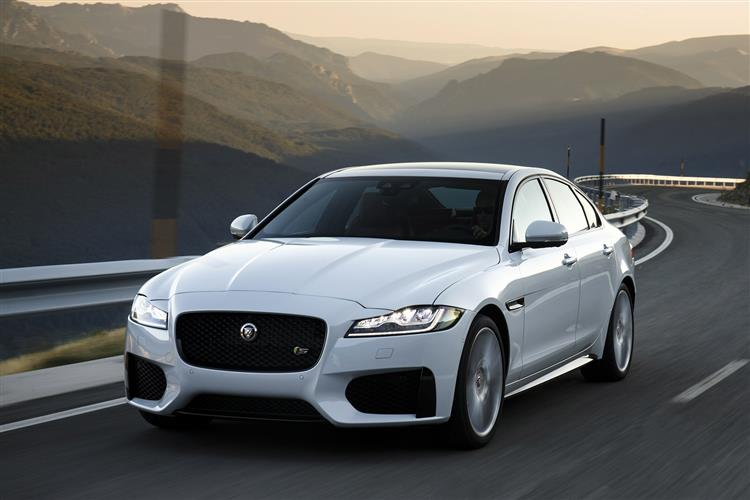 Jaguar XF R-Sport 2.0d 180PS Automatic image 3