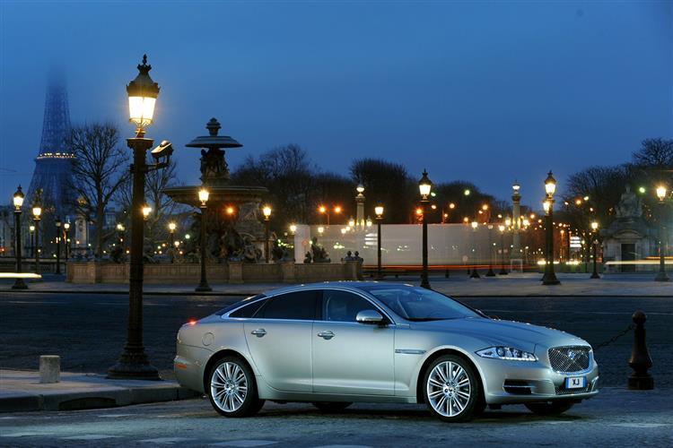 Jaguar XJ 3.0d V6 Luxury 4dr Auto SWB image 2
