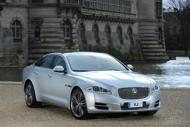 Jaguar XJ 3.0d V6 Luxury 4dr Auto SWB image 3