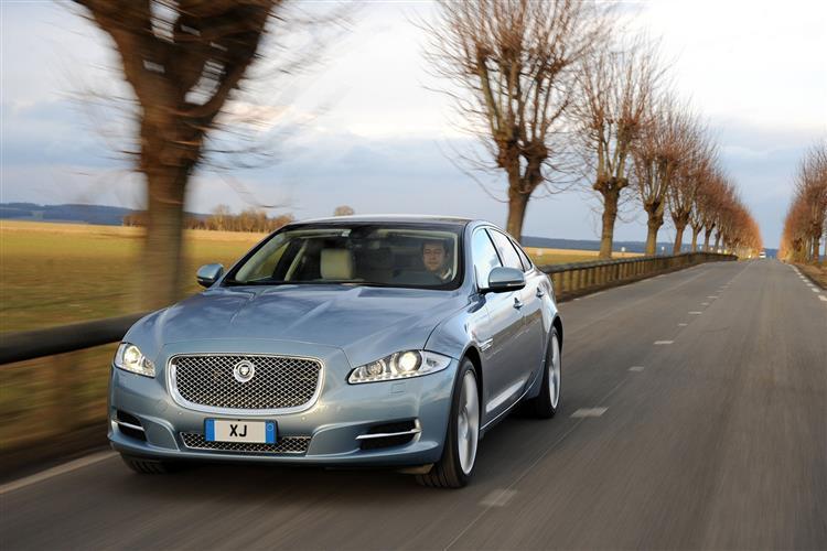 Jaguar XJ 3.0d V6 Luxury 4dr Auto SWB image 4
