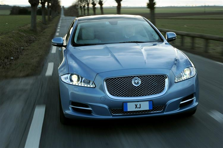 Jaguar XJ 3.0d V6 Luxury 4dr Auto SWB image 5