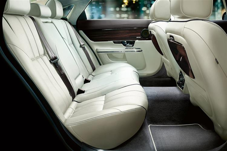Jaguar XJ 3.0d V6 Luxury 4dr Auto SWB image 7