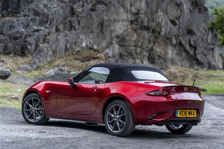 Mazda MX-5 2.0 [184] Sport Tech 2 door Convertible