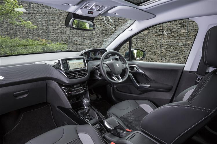 Peugeot 2008 SUV 1.5 BlueHDi 100 GT Line (5 Speed) image 10