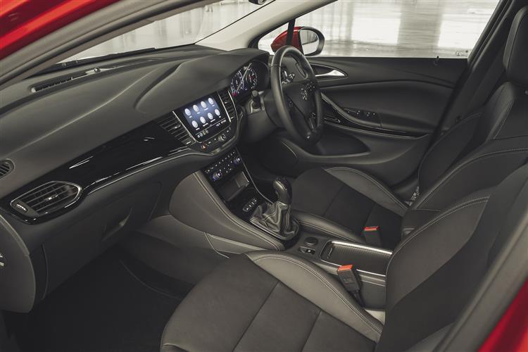 Vauxhall Astra SRI NAV 1.6CDTi 110PS image 7