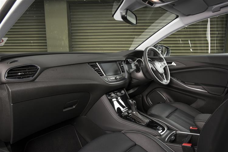Vauxhall Grandland X 1.2T SE 130ps [Start/Stop] 5dr image 15
