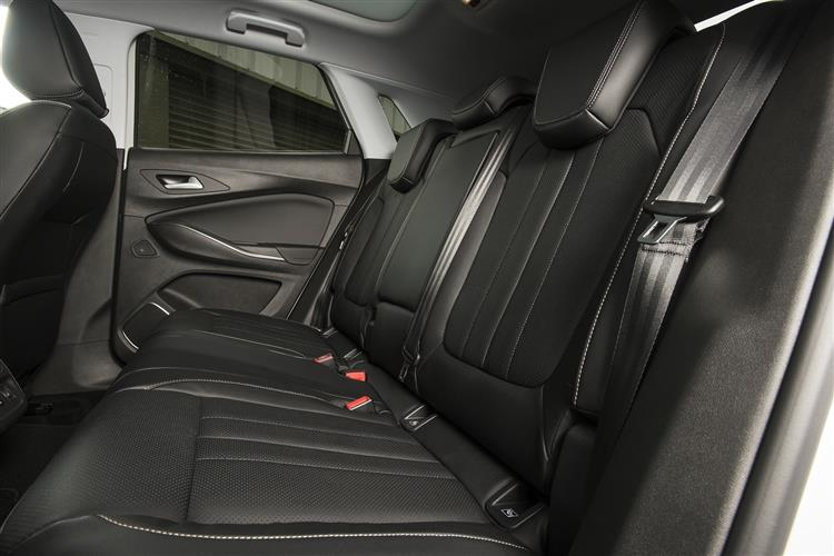 Vauxhall Grandland X 1.2T SE 130ps [Start/Stop] 5dr image 16