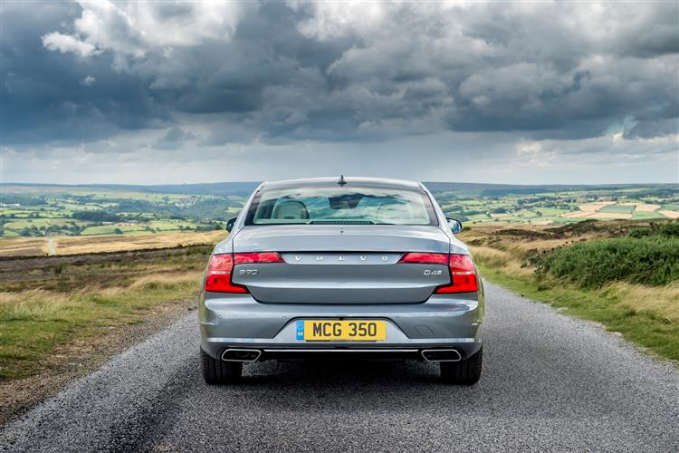 Volvo S90 D4 Momentum Including Metallic Paint image 6