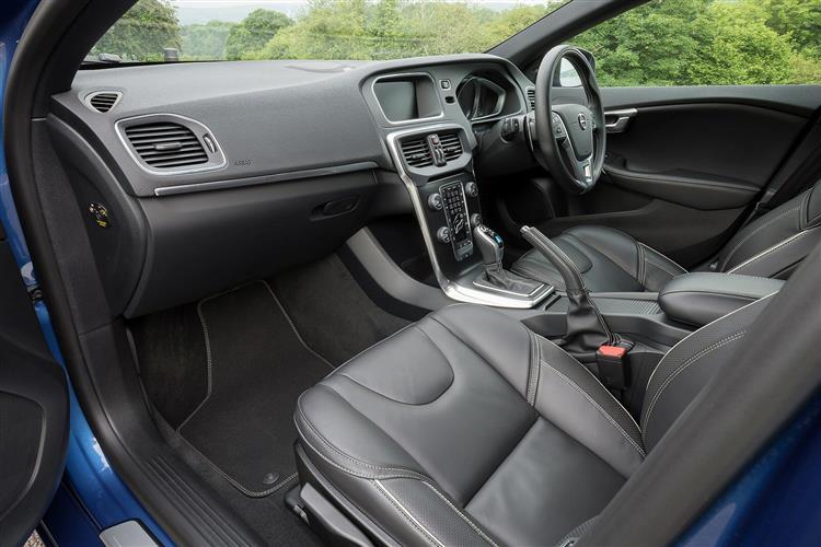 Volvo V40 T2 R-Design image 13