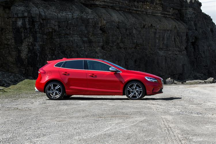 Volvo V40 T2 R-Design with low cost finance available image 2