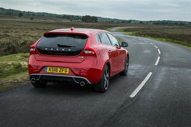 Volvo V40 T2 R-Design with low cost finance available image 4