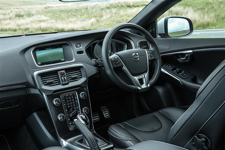 Volvo V40 T2 R-Design with low cost finance available image 7