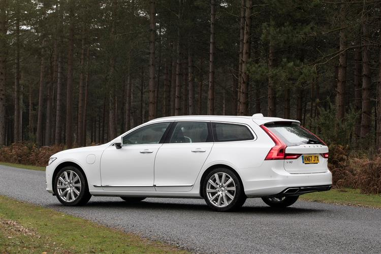 Volvo V90 T4 R Design Plus Auto, Xenium and Winter Packs, Intellisafe Surround, BLIS, image 2