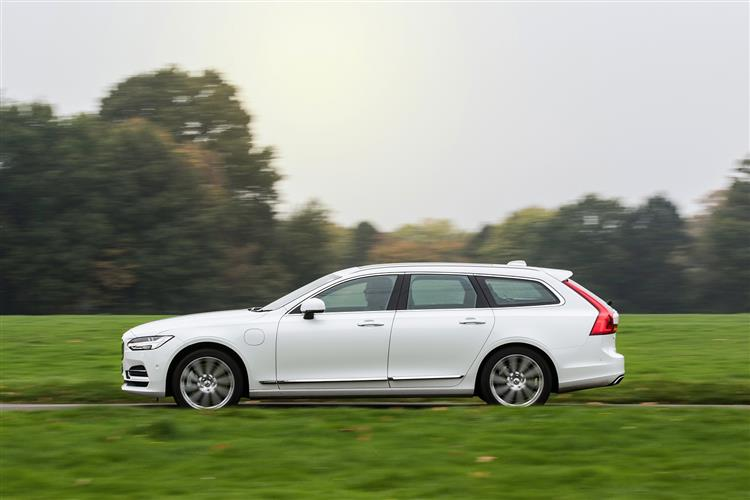 Volvo V90 T4 R Design Plus Auto, Xenium and Winter Packs, Intellisafe Surround, BLIS, image 4