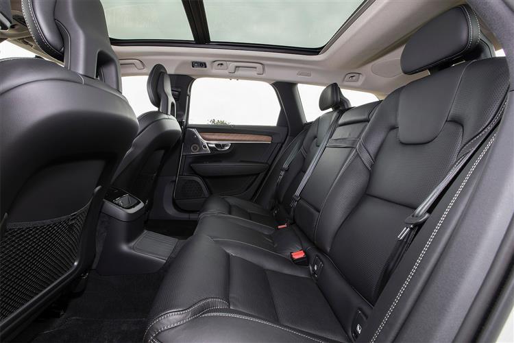 Volvo V90 T4 Momentum image 6