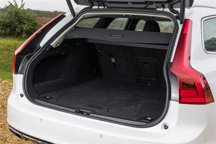 Volvo V90 T4 R Design Plus Auto, Xenium and Winter Packs, Intellisafe Surround, BLIS, image 9
