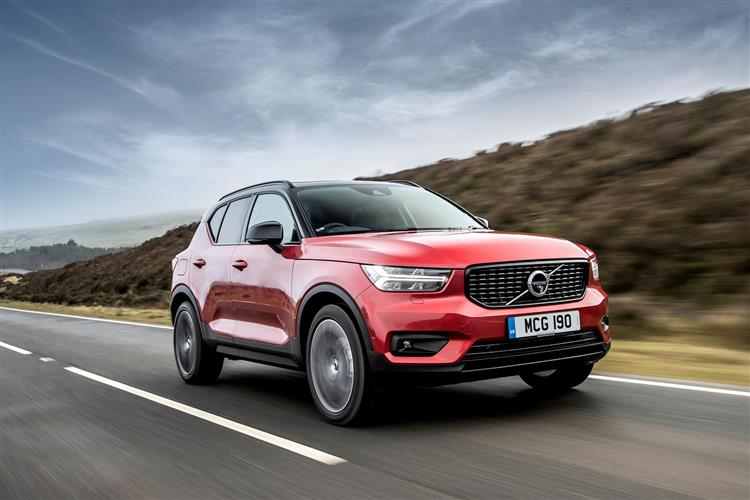 Volvo XC40 T3 Momentum Including Metallic Paint image 5