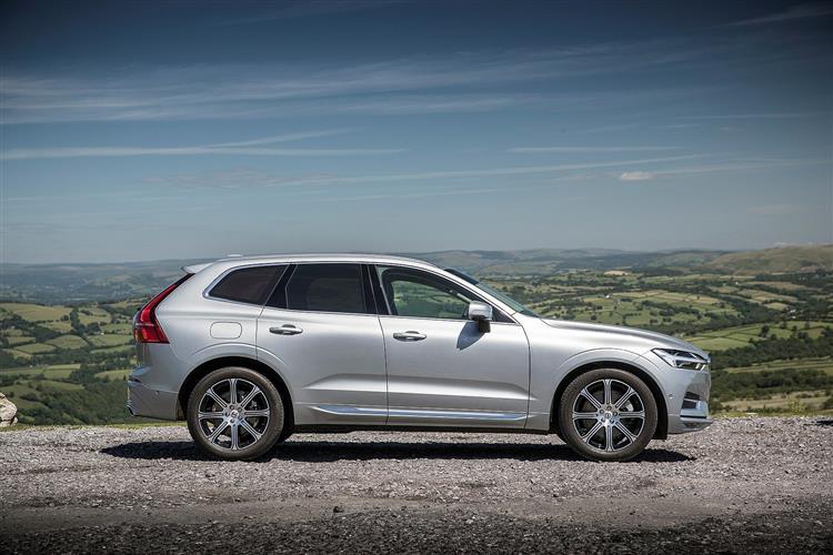 Volvo XC60 T5 AWD Momentum Automatic image 1