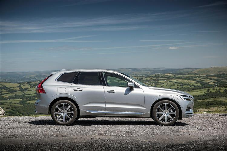 Volvo XC60 D5 PowerPulse AWD R-Design Automatic image 1 thumbnail