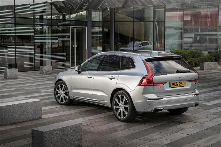 Volvo XC60 D5 PowerPulse AWD R-Design Automatic image 2 thumbnail