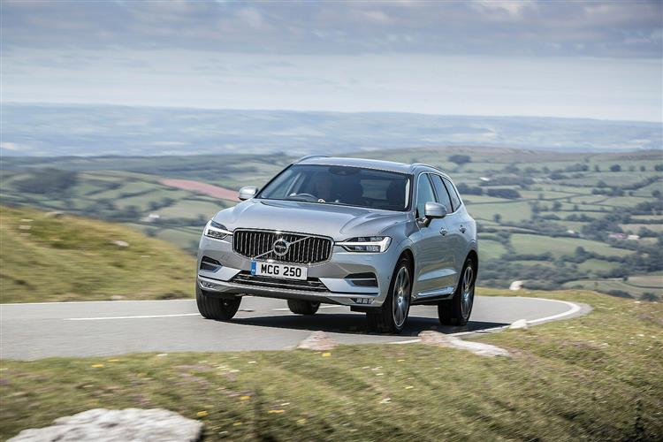 Volvo XC60 D5 PowerPulse AWD R-Design Automatic image 3 thumbnail