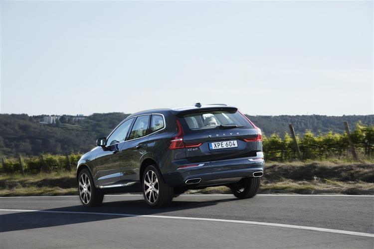 Volvo XC60 D4 Momentum Including Metallic Paint image 4