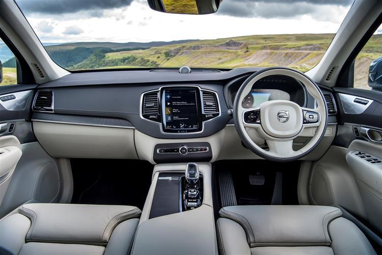 Volvo XC90 T5 AWD Momentum Metallic image 10