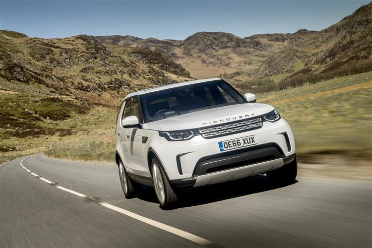 Land Rover Discovery Sport Diesel SW 2.0 TD4 180 SE Auto image 17