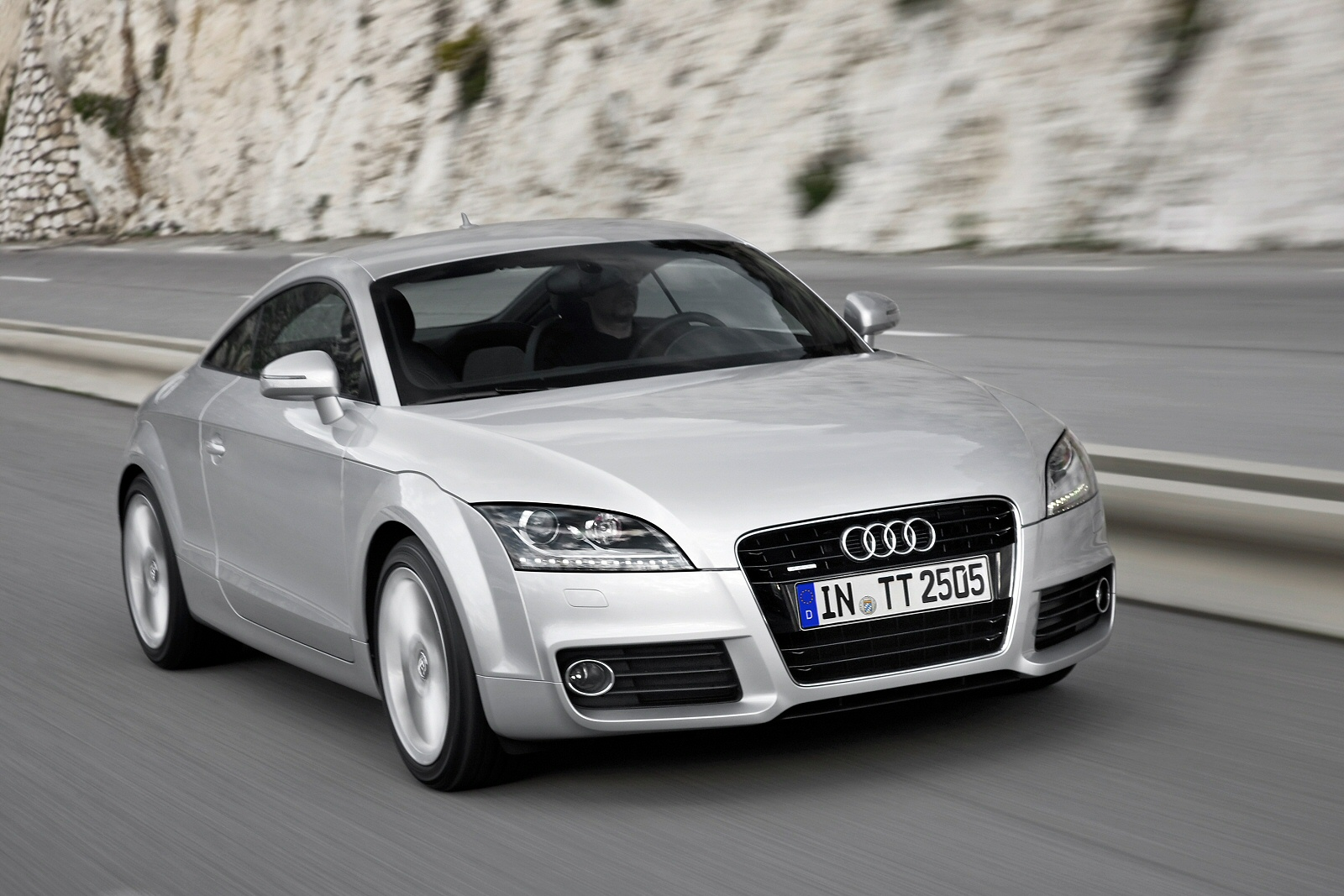 Image three of a Audi TT Coupe