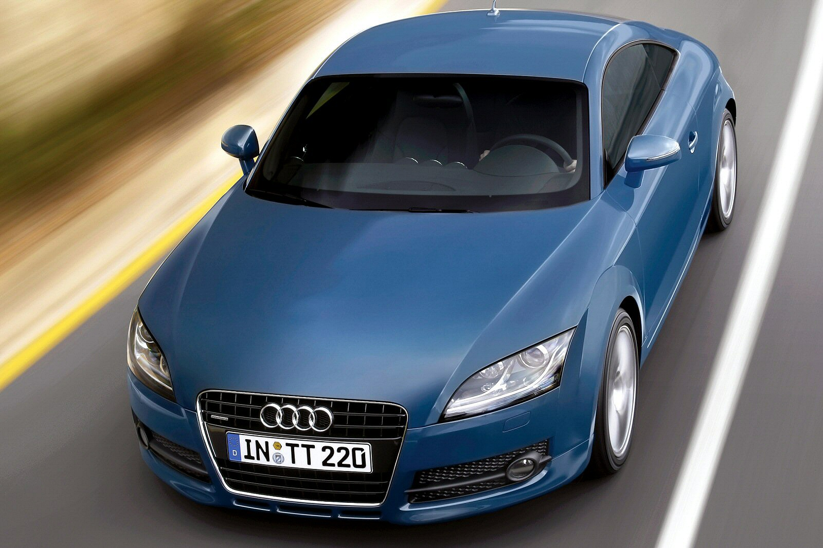 Image three of a Audi TT 2.0 TDI quattro