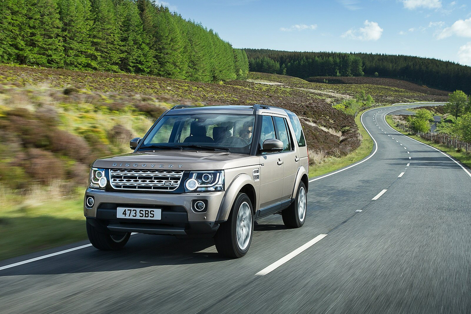 Image five of a Land Rover Discovery