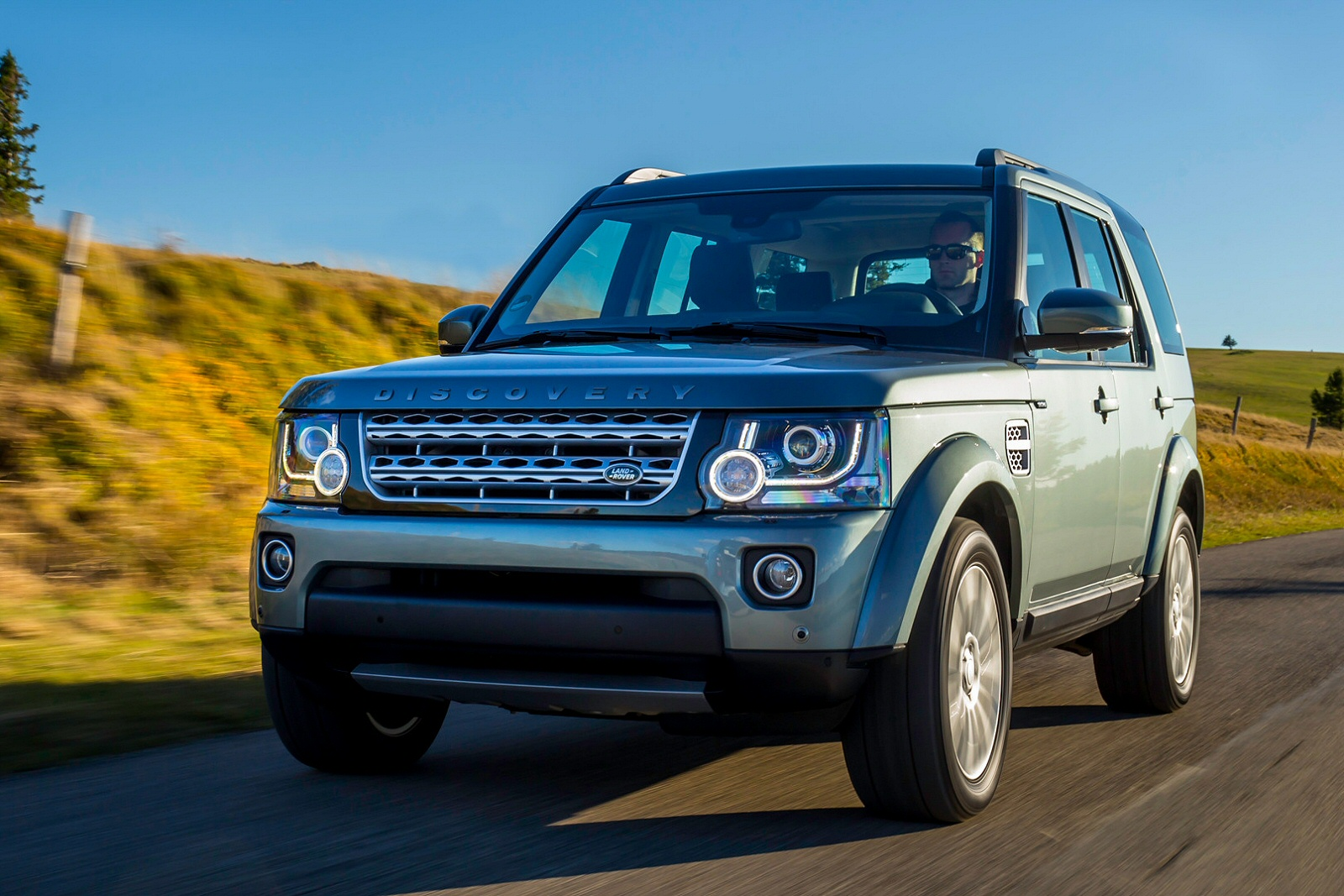 Image four of a Land Rover Discovery SDV6 HSE