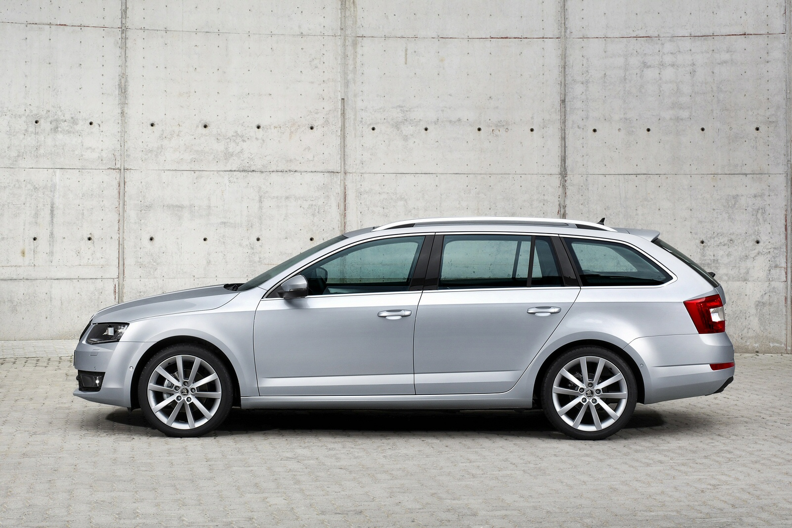 Image two of a Skoda Octavia Estate